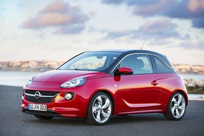 Opel Adam A Aussenansicht Front schräg statisch rot