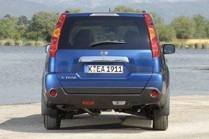 Nissan X-Trail T31 Aussenansicht Heck statisch blau