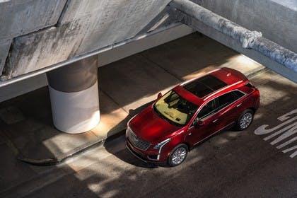 Cadillac XT5 C1XX Aussenansicht Front schräg erhöht statisch rot
