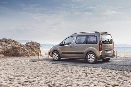 Citroën Berlingo Multispace 7 Aussenansicht Seite schräg statisch braun