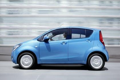Opel Agila H-B Aussenansicht Seite dynamisch blau
