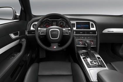 Audi A6 4f Innenansicht Fahrerposition Studio statisch schwarz