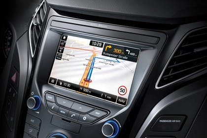 Hyundai i40 Kombi YF Innenansicht Detail statisch schwarz Entertainment