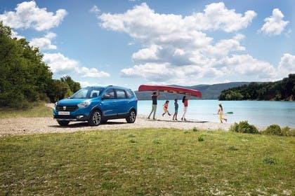 Dacia Lodgy Stepway SD Aussenansicht Front schräg statisch blau