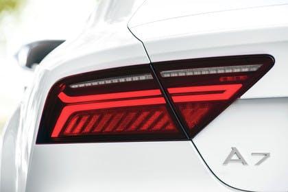 Audi A7 4G Aussenansicht Detail Rückleuchte statisch weiss