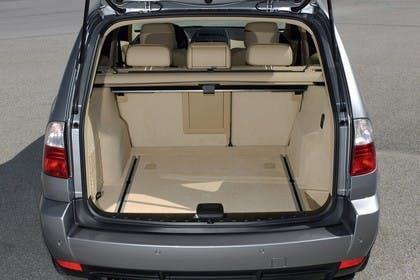 BMW X3 E83 Innenansicht statisch Kofferraum
