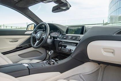 BMW 6er Coupe F13 Innenansicht Beifahrerposition statisch beige