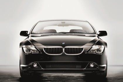 BMW 6er Coupé E63 Aussenansicht Front dynamisch schwarz