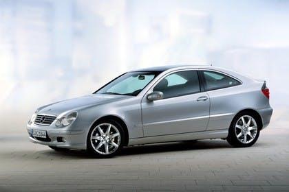 Mercedes C-Klasse Sportcoupe W203 Aussenansicht Studio Seite schräg statisch silber