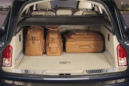 Opel Insignia G09 Sports Tourer Innenansicht Detail Kofferraum statisch schwarz