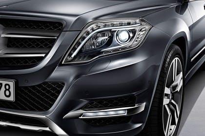 Mercedes Benz Studio Aussenansicht Detail Scheinwerfer grau
