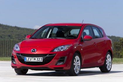 Mazda 3 Fünftürer BL Aussenansicht Front schräg statisch rot