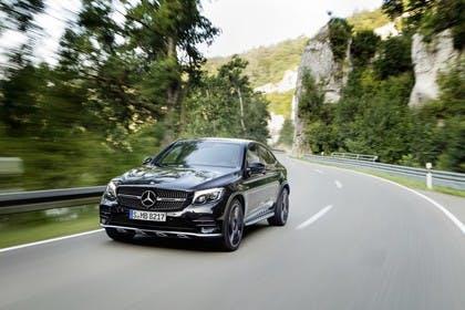 Mercedes GLC Coupe C253 Aussenansicht Front schräg dynamisch schwarz