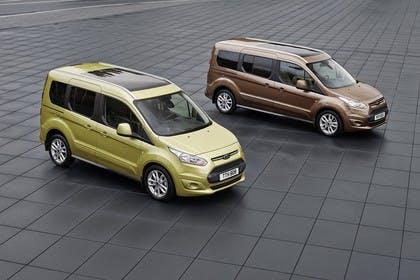 Ford Grand Tourneo Connect PJ2 Seite schräg statisch gelb braun