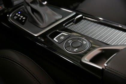 Hyundai i40 Kombi YF Innenansicht Detail statisch schwarz Handbremse