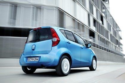 Opel Agila H-B Aussenansicht Heck schräg dynamisch blau