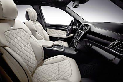 Mercedes M-Klasse W166 Studio Innenansicht Front statisch weiß schwarz