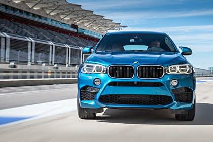 BMW X6 M F16 Aussenansicht Front statisch blau