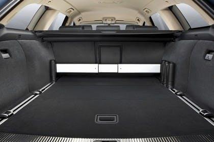 Audi A6 4F AvantInnenansicht Kofferraum geöffnet Studio statisch schwarz