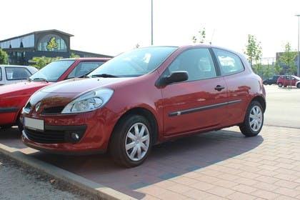 Renault Clio Dreitürer R Aussenansicht Seite schräg statisch rot