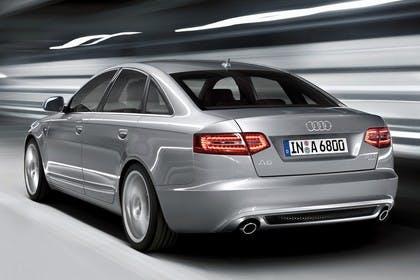 Audi A6 4f Facelift Aussenansicht Heck dynamisch silber