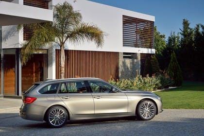 BMW 3er Touring F31 Aussenansicht Seite  statisch silber