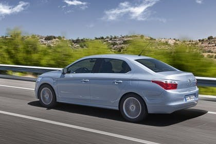Citroën C-Elysee Aussenansicht Seite schräg dynamisch blau