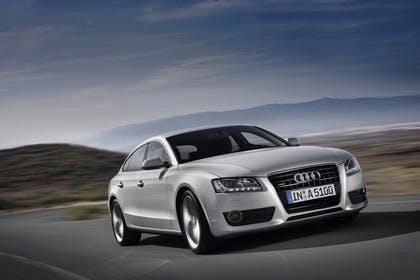 Audi A5 Sportback Aussenansicht Front schräg dynamisch silber