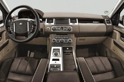 Land Rover Range Rover Sport LS Studio Innenansicht Fahrerposition statisch braun