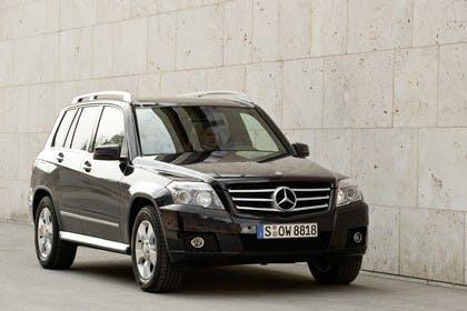 Mercedes Benz Aussenansicht Front schräg statisch schwarz