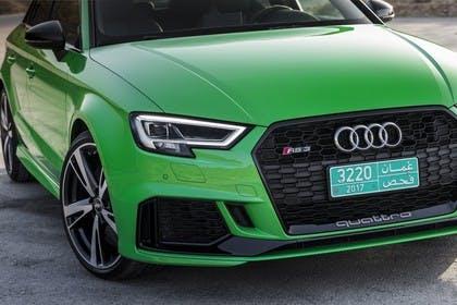 Audi RS3 Aussenansicht Detail Front statisch grün