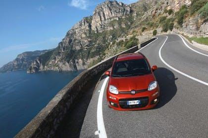 Fiat Panda 319 Aussenansicht Front erhöht dynamisch orange