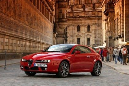 Alfa Romeo Brera 939 Aussenansicht Front schräg statisch rot