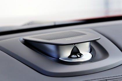 BMW X6 F16 Innenansicht Detail Hifi statisch schwarz