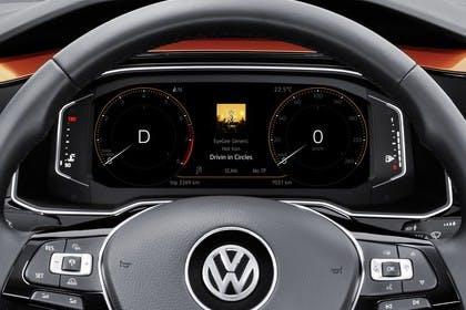 VW Polo AW Innenansicht statisch Studio Detail Tacho