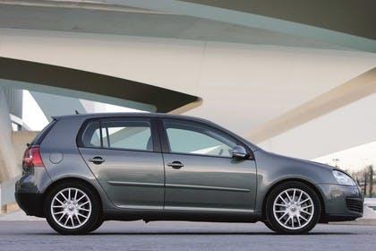 VW Golf 5 Fünftürer Aussenansicht Seite statisch grau