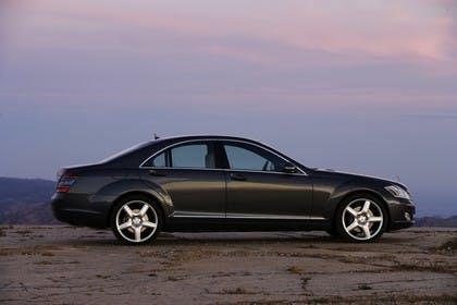 Mercedes-Benz S-Klasse W221 Aussenansicht Seite statisch schwarz