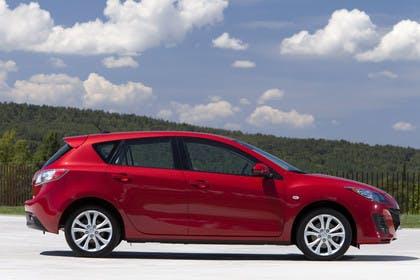 Mazda 3 Fünftürer BL Aussenansicht Seite statisch rot