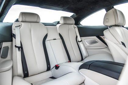 BMW 6er Coupe F13 Innenansicht Rücksitzbank Studio statisch weiss