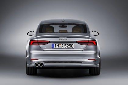 Audi A5 Sportback F5 Aussenansicht Heck statisch Studio grau