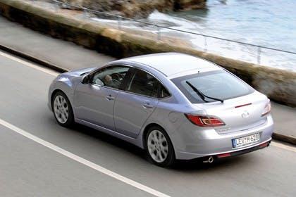 Mazda 6 Limousine GH Aussenansicht Heck schräg dynamisch silber
