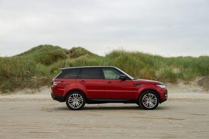 Land Rover Range Rover Sport LW Aussenansicht Seite statisch rot
