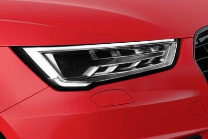 Audi A1 Aussenansicht Detail LED Scheinwerfer statisch rot