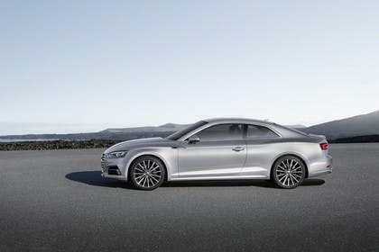 Audi A5 Coupe Aussenansicht Seite statisch silber
