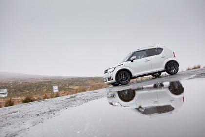 Suzuki Ignis FF21S Aussenansicht Seite schräg statisch weiss