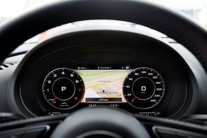 Audi A3 8V Limousine Innenansicht Detail Kombiinstrument statisch schwarz