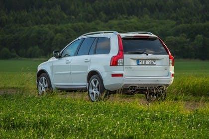 Volvo XC90 Aussenansicht Heck schräg statisch weiss