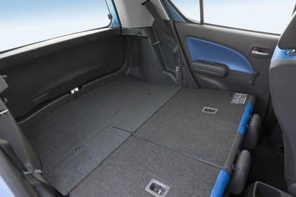 Opel Agila H-B Innenansicht statisch Studio Kofferraum Rücksitze umgeklappt