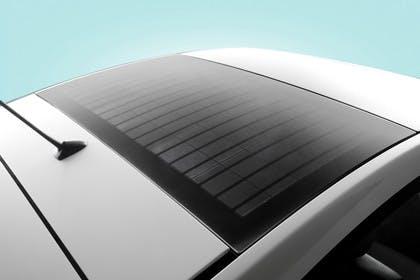 Toyota Prius ZVW30 Aussenansicht Seite schräg erhöht statisch Studio Detail Solardach