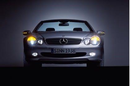 Mercedes SL R230 Studio Aussenansicht Front statisch silber